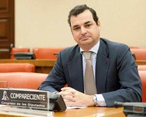 """Leopoldo González-Echenique és el blanc de les crítiques pel tractament informatiu de """"El Telediario"""""""