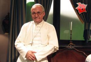 Sergi Mas va ser l'escollit per interpretar al nou Papa al Polònia d'ahir.